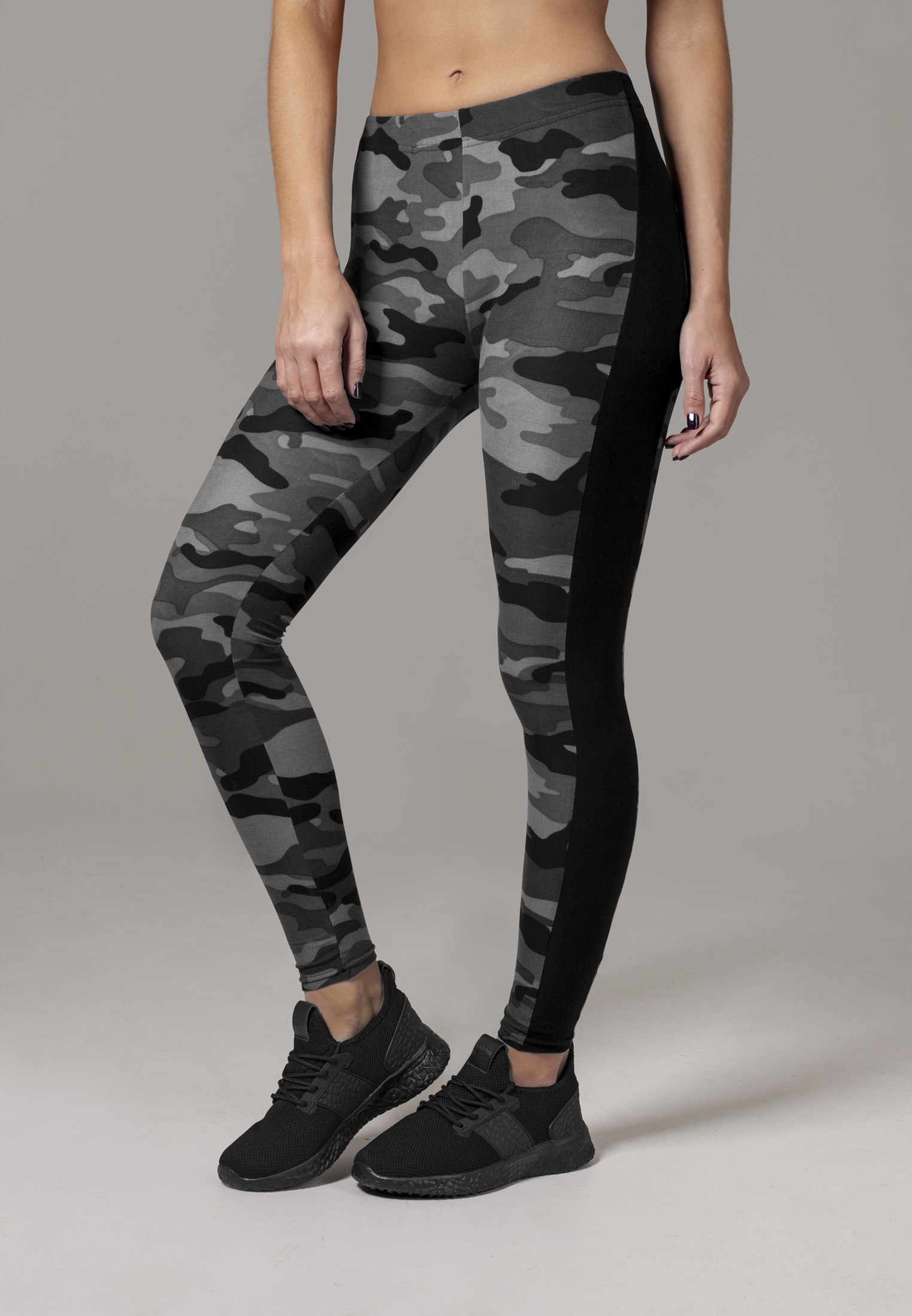 763e8c2aa Dámske legíny URBAN CLASSICS Ladies Camo Stripe Leggings darkcamo/blk. 1