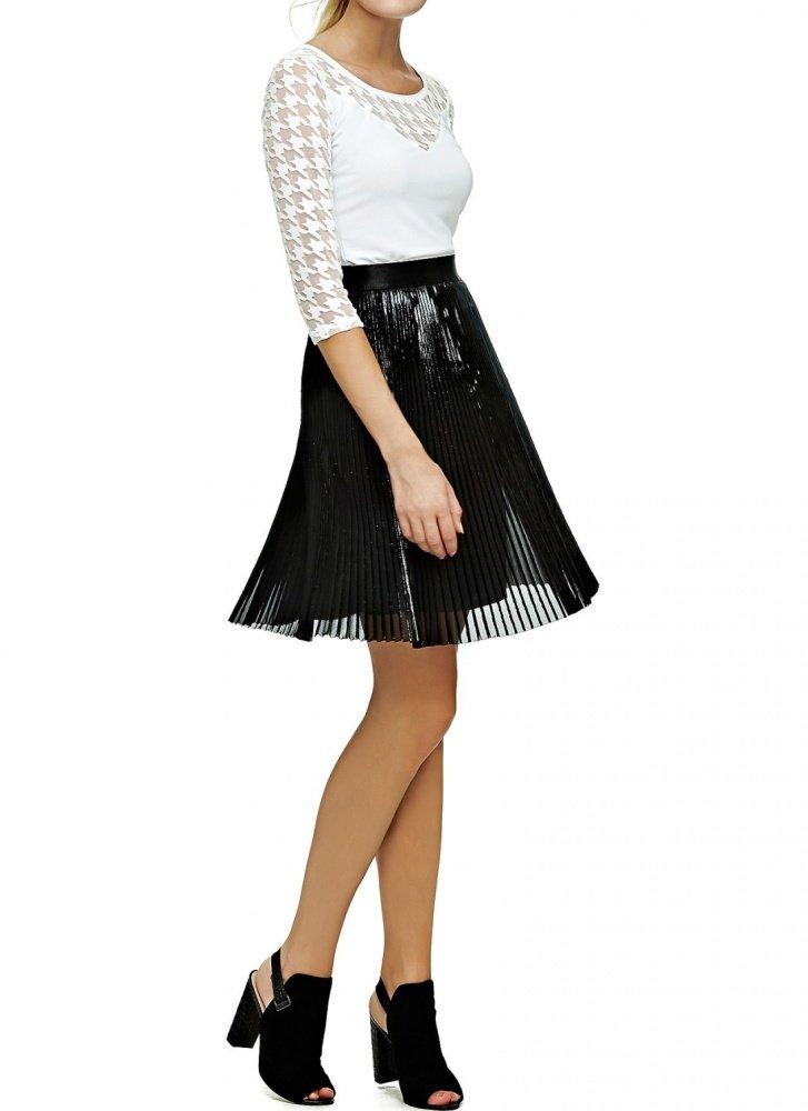 9146e5536edc Guess dámská černá skládaná sukně - Glami.sk