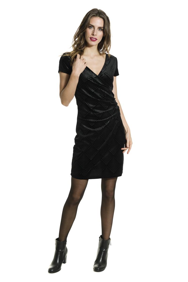 92d4fc0750c1 Smash AVELINA krátké šaty černé Glam Shine. Smash AVELINA krátké šaty černé  Glam Shine. Smash AVELINA krátké šaty černé Glam Shine