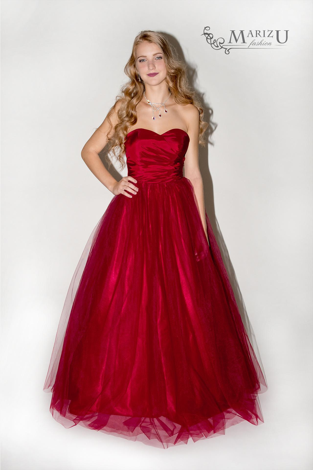 Marizu fashion nádherné vínově červené maturitní 49485b32756