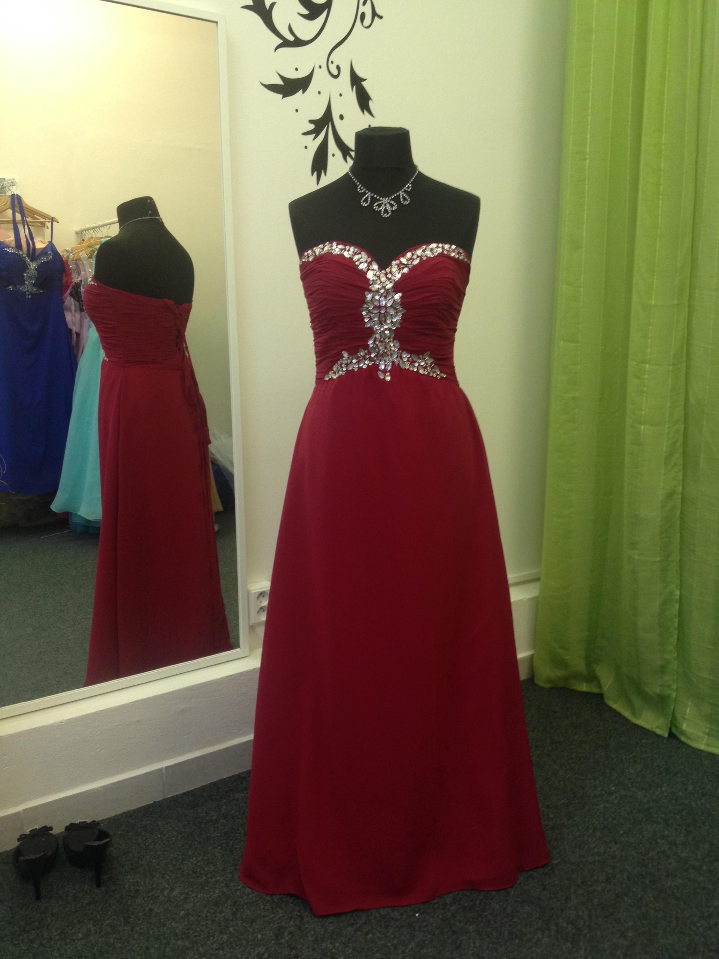 Marizu fashion krásné vínově červené plesové 94f60b18576