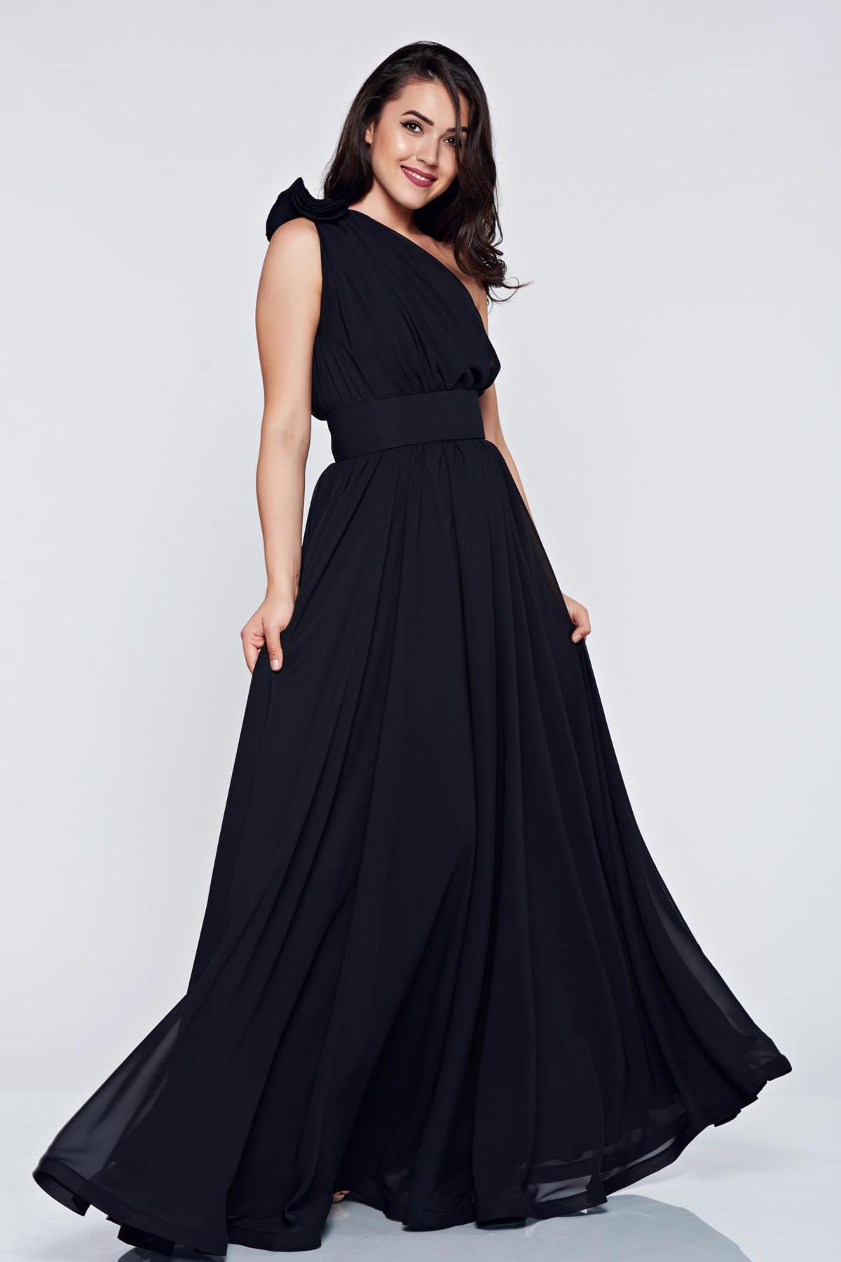 66853d2169 Fekete StarShinerS egy vállas alkalmi ruha fátyol anyag - Glami.hu