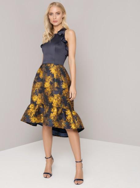 Tmavě modré šaty se zlatými květy Chi Chi London Loreli - Glami.cz 0a1cf0572ce