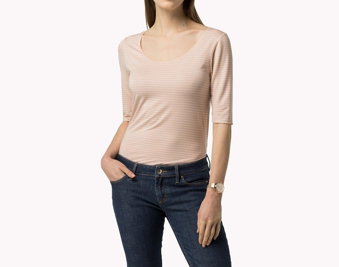 Tommy Hilfiger dámské světle růžové pruhované tričko - Glami.cz 147fc31516