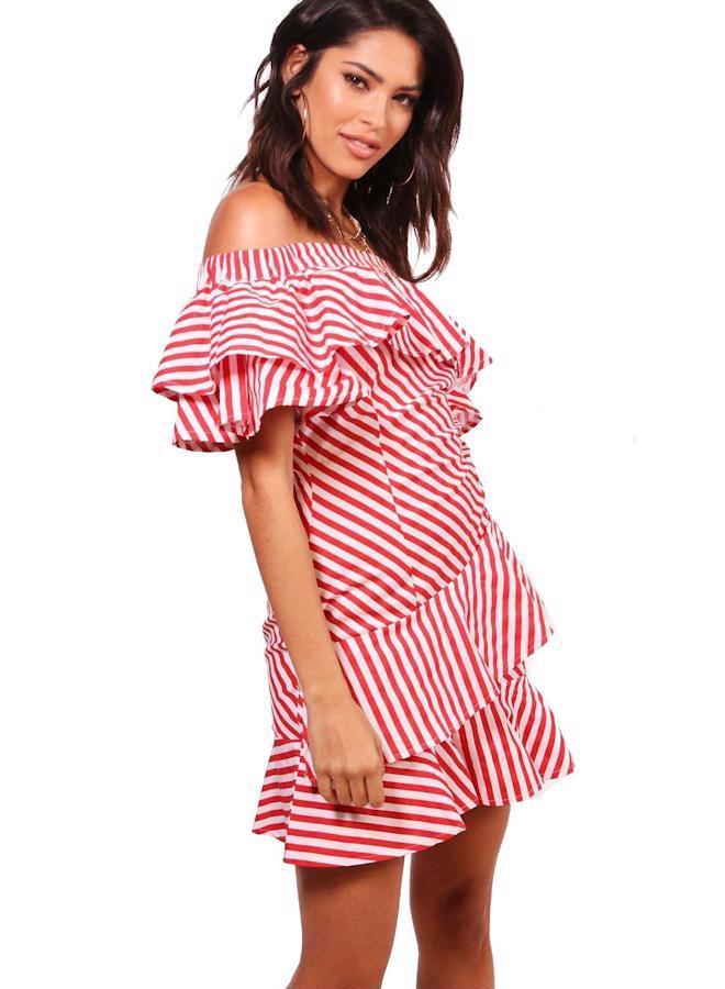 BOOHOO Volánkové šaty s odhalenými rameny Kara - Glami.cz 71183acf1c