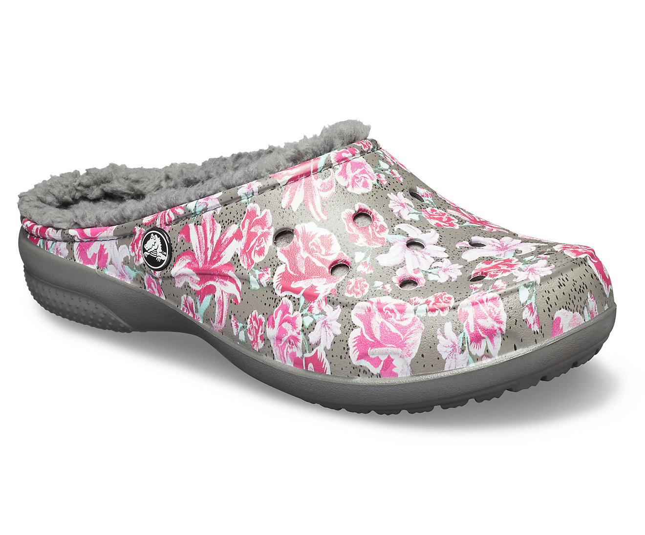 8d755cb55d Crocs farebné zateplené šľapky Freesail Graphic Lined Multi Floral ...