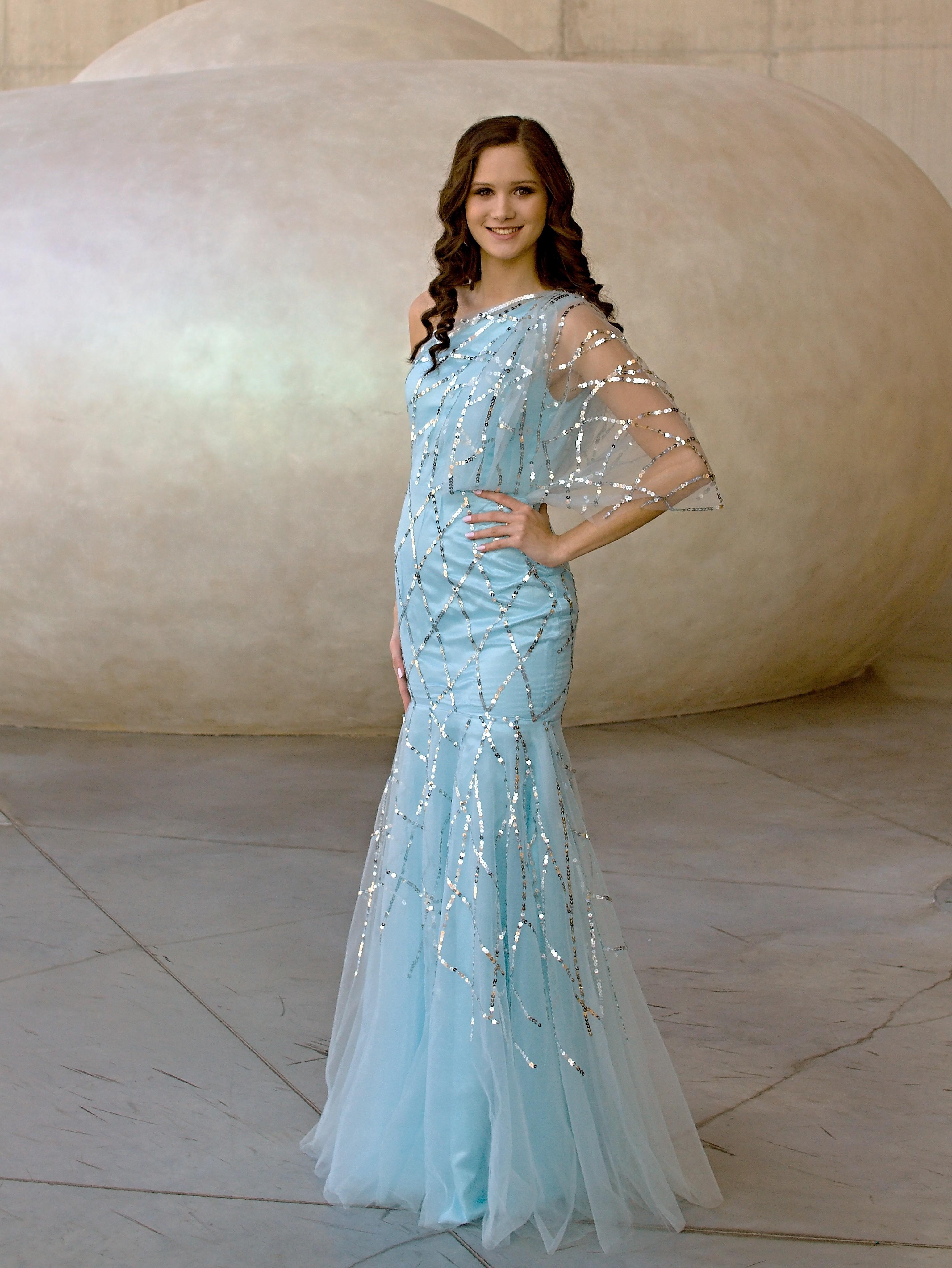 092840ee963c Marizu fashion ledově modré plesové společenské maturitní šaty - výprodej