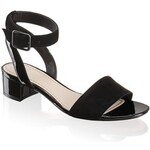 Clarks sandál na podpatku