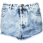Topshop MOTO Denim-Hotpants In Acid-Waschung - Stone Medium