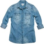 Replay Denim shirt with western shoulders, two flap breast pockets.