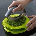 Sekáček, kráječ na bylinky, maso, zeleninu Compact Herb Chopper JOSEPH JOSEPH (barva-zelená)