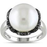 Stříbrný prsten s bílou perlou a černými diamanty