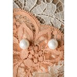 Collectif Clothing Elegant Ivory Pearl Earstuds Rose gold