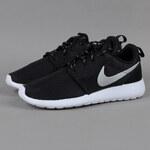 Nike WMNS Rosherun black / mtlc platinum - white
