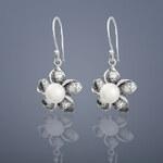 Buka Jewelry Buka Perlové náušnice Plumeria – bílá 155
