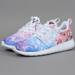 Nike WMNS Roshe One Cherry Blossom white / pure platinum