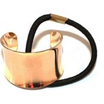 Gumička s kovovou ozdobou zlatá A23168