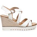 SUPER MODE Elegantní bílé dámské sandálky na klínku s kovovou přezkou, vel. 39