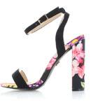 United Fashion Černé květované sandály Iskera