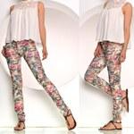 Módní květované džíny