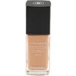 Chanel Make-up pro mladší a odpočatý vzhled Vitalumiére (Satin Smoothing Fluid Make-up SPF 15) 30 ml