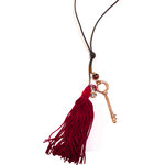 Lotusfeet Fair trade Střapcový náhrdelník - červená