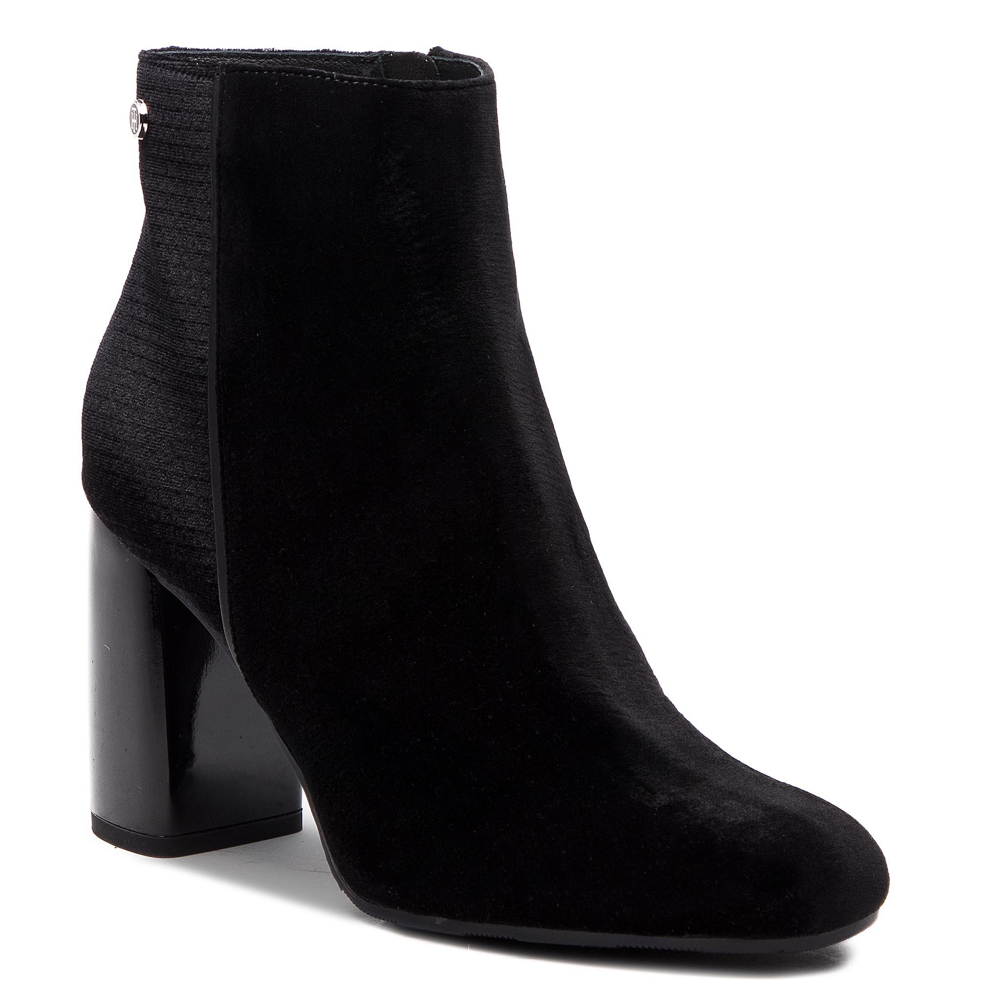e61f28a8e1 Členková obuv TOMMY HILFIGER - Structured Velvet Bootie FW0FW03617 ...
