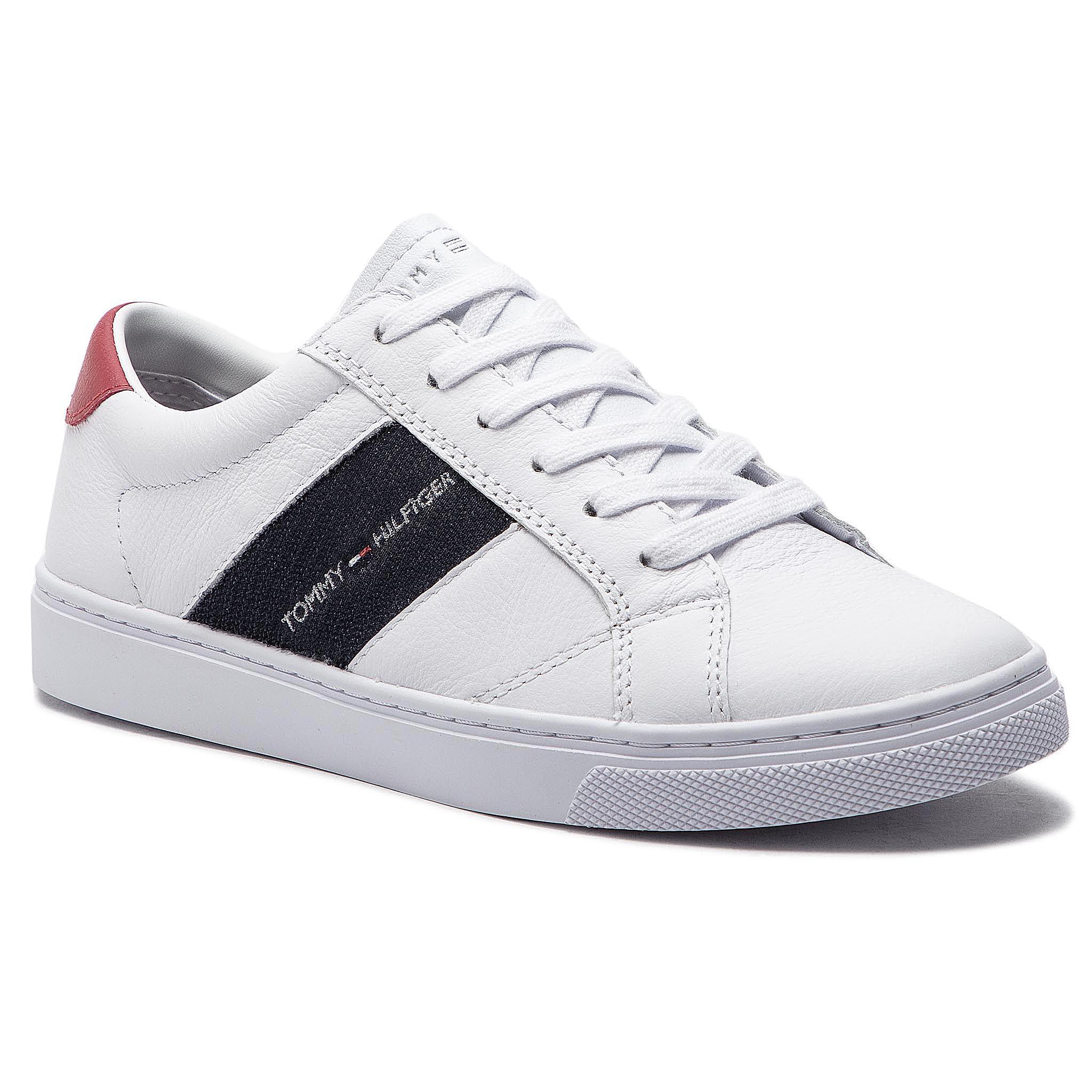 352892ea63 Sportcipő TOMMY HILFIGER - Tommy Playful Badge Sneaker FW0FW03996 White 100