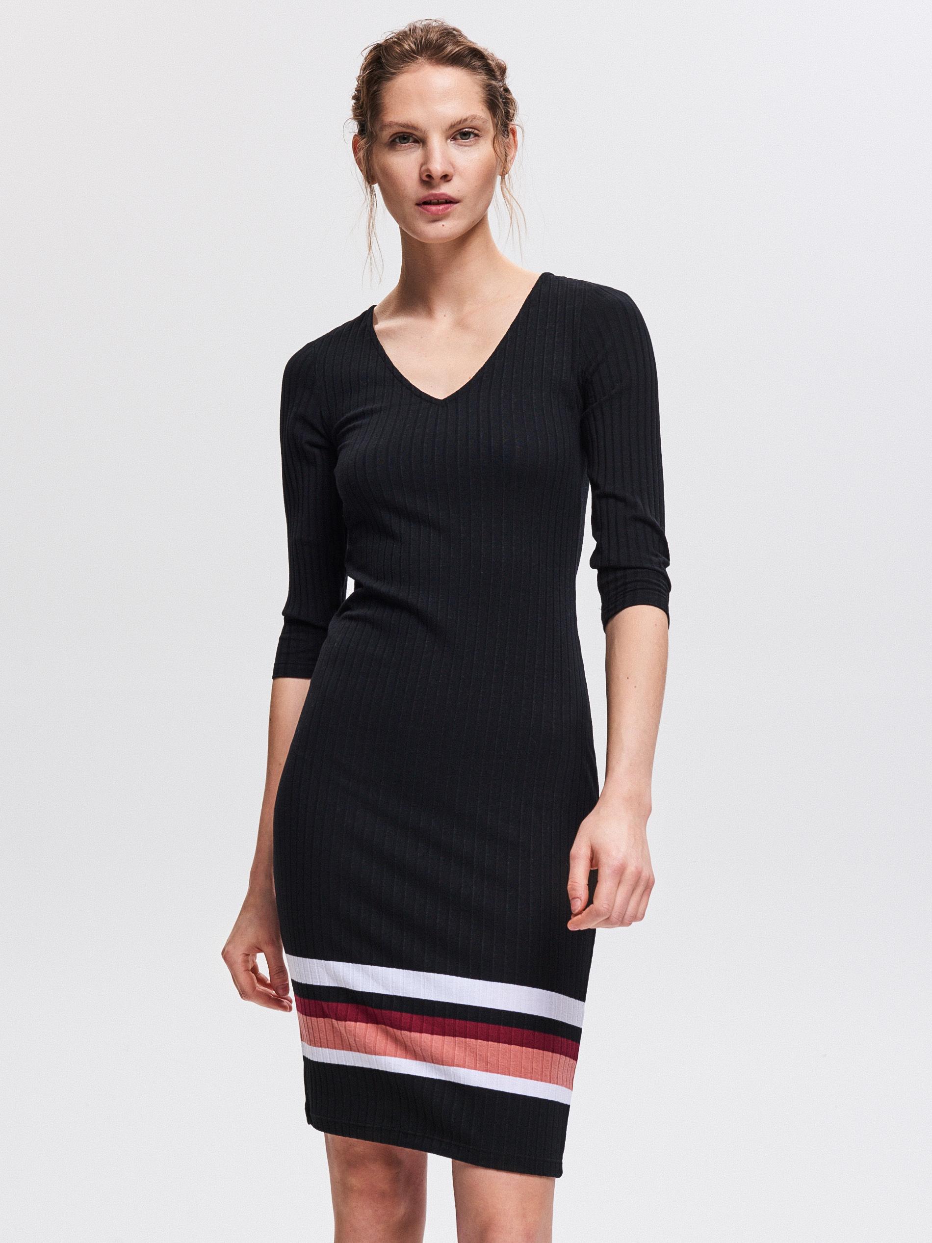 040dcb6723 Reserved - Úpletové šaty - Čierna - Glami.sk