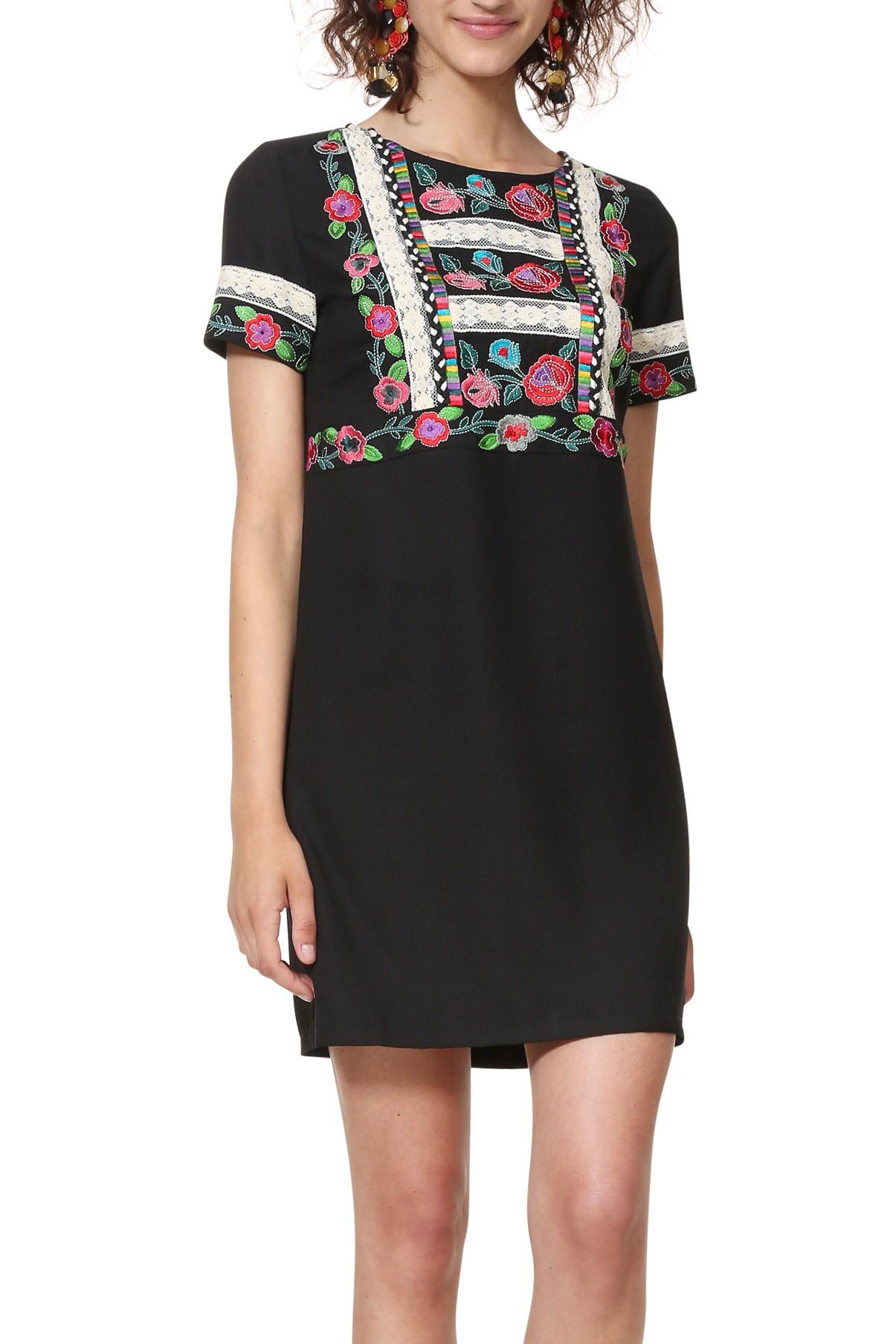 Desigual čierne šaty Vest Tralee s výšivkami - Glami.sk ac3c55df8cf