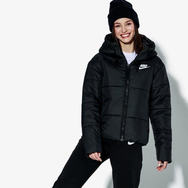 ... Bunda W Nsw Syn Fill Jkt ženy Oblečenie Zimné Bundy 939360-010. -18%.  Nike ... d8a50bfe9b5