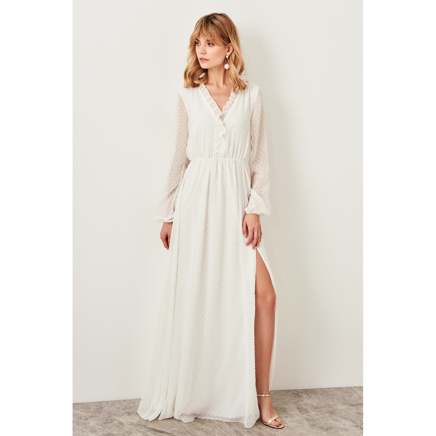 7098fcc79 Trendyol White Custom Fabric Ruffle Detail Dress White - Glami.cz
