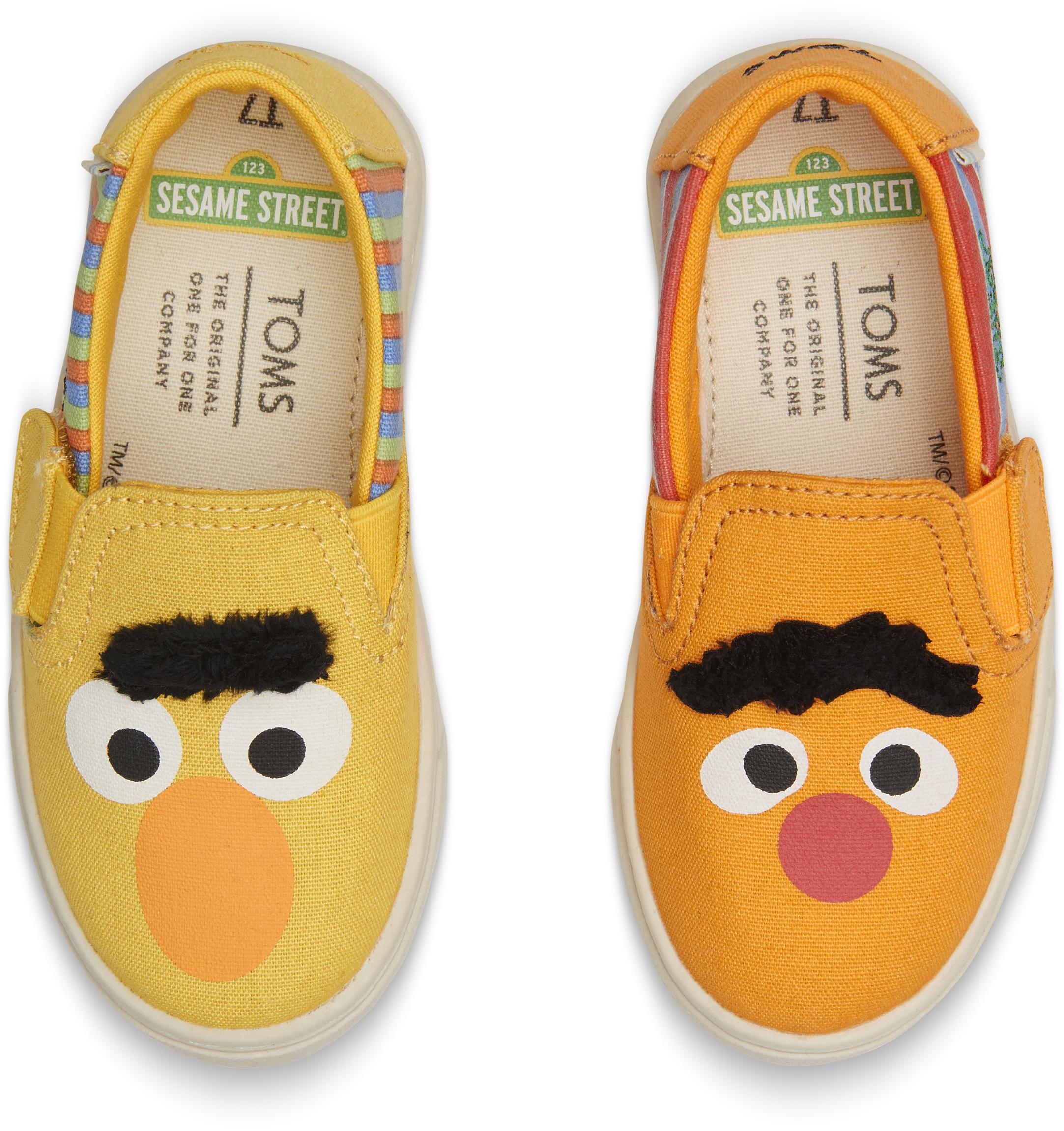 b0007483abd2 Detské žlté TOMS Sesame Street Elmo Tiny Luca Slip-on - Glami.sk