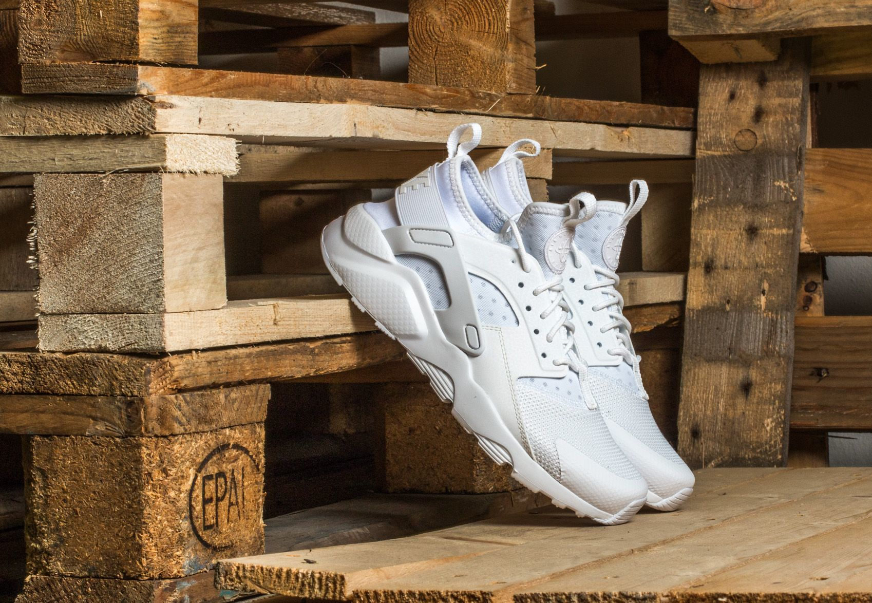 da9460dc Nike Air Huarache Run Ultra Gs White/ White-White - Glami.bg