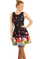 911c650cb877 Glara Áčkové šaty s kvetovanou potlačou