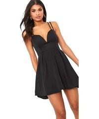 f628a08697fa PRETTYLITTLETHING Černé šaty s hlubokým výstřihem a dvojitými ramínky