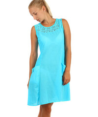 43c42eeeabb TopMode Bavlněné letní šaty s krajkou a výraznými kapsami (modrá