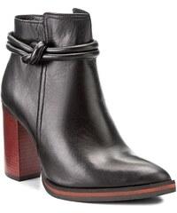 3502b29e221a Členková obuv CARINII - B4040 E50-000-PSK-B77