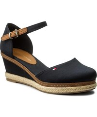 a4d5526a85 Espadrilles TOMMY HILFIGER - Iconic Elba Basic Closed Toe FW0FW02838  Midnight 403