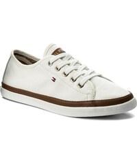 6ccaccef02b TOMMY HILFIGER Iconic Kesha Sneaker FW0FW02823. 1 284 Kč. Doprava zdarma