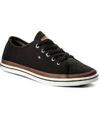 Teniszcipő TOMMY HILFIGER - Iconic Kesha Sneaker FW0FW02823 Black 990 e44230f67a