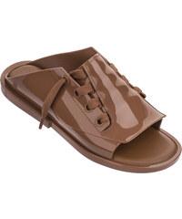 8959e83b646f Melissa telové topánky Elastic Dance Beige. Veľkosť len EU 37. Detail  produktu. DIFFERENTALOVE. Melissa hnedé šľapky Ulitsa Brown