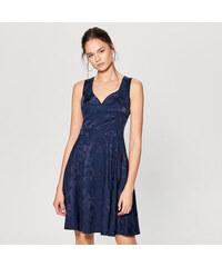 2ae417eba5d Mohito - Žakárové šaty se srdíčkovým výstřihem - Modrá