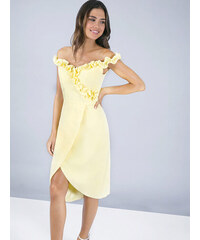 Modré společenské šaty s vyšívaným živůtkem Chi Chi London Joan. Velikost  pouze EU 44. Detail produktu · Žluté pouzdrové šaty Chi Chi London Brianna c2e52be9e7