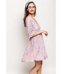 edd58776ec6f Rouzit Svetloružové kvetinové šaty s véčkovým výstrihom
