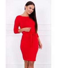 MladaModa Obtiahnuté šaty s viazankou v páse model 8925 červené 3453ffec36