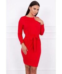 MladaModa Obtiahnuté šaty s viazankou v páse model 8926 červené ff36ac2732