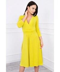 MladaModa Voľné šaty s preväzom pod hrudníkom model 8314 farba kiwi 6ac35bcd4a8