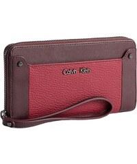 b7a4d8303f7 Calvin Klein dámská peněženka Hazen Zip Continental red