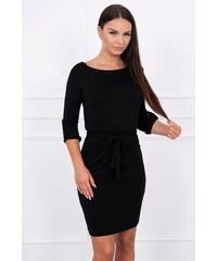 b65c17868e43 MladaModa Obtiahnuté šaty s viazankou v páse model 8925 čierne